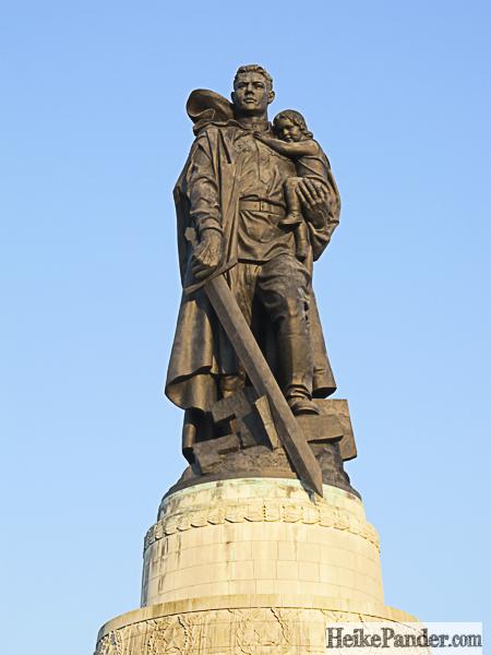 Soldat, Ehrenmal, Treptower Park