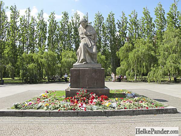 Statue, Treptower Park